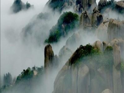 姥山,就象进入当代世界抽象雕塑艺术大师的大型博览厅,数千百副巨